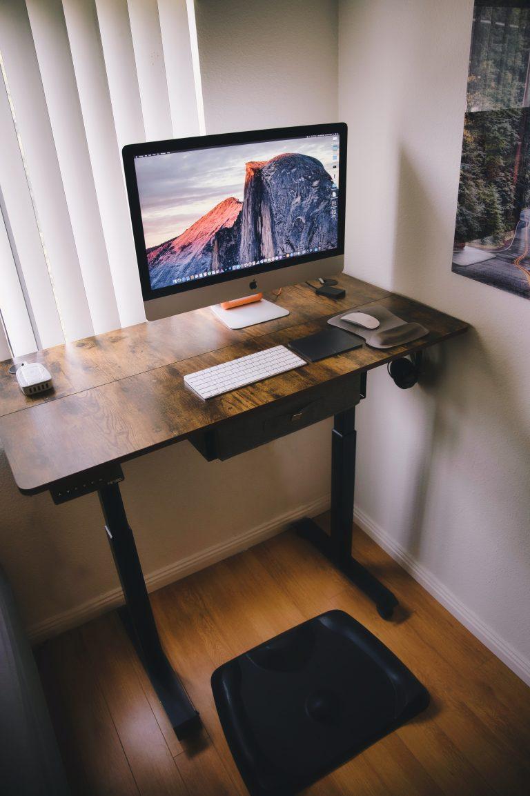 Stehschreibtisch ergonomisch arbeiten
